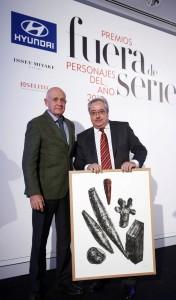 Jesús Zaballa, director general de Publicidad de Unidad Editorial, con Jesús Egido, premio Labor Editorial.